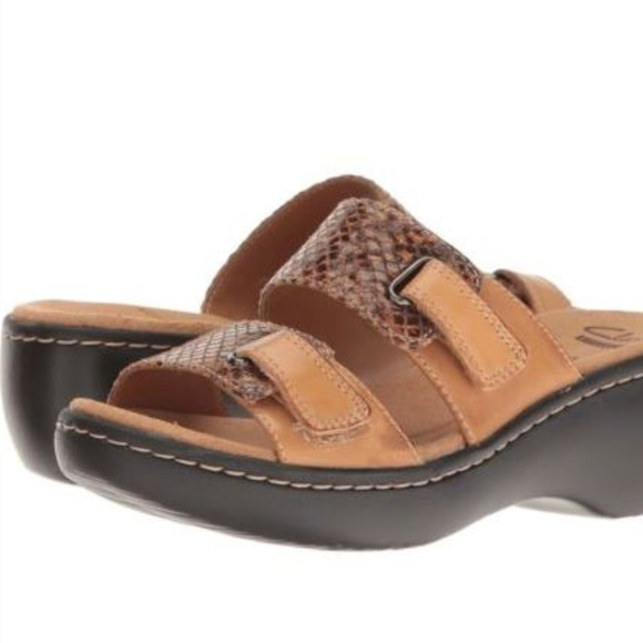 4db46de18d14 CLARKS 9m Delana Fenela Dress Sandal NEW